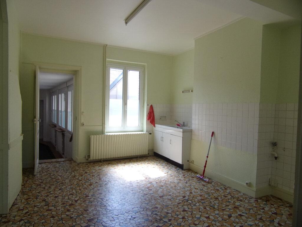 Maison à louer 4 111m2 à Châtillon-Coligny vignette-2
