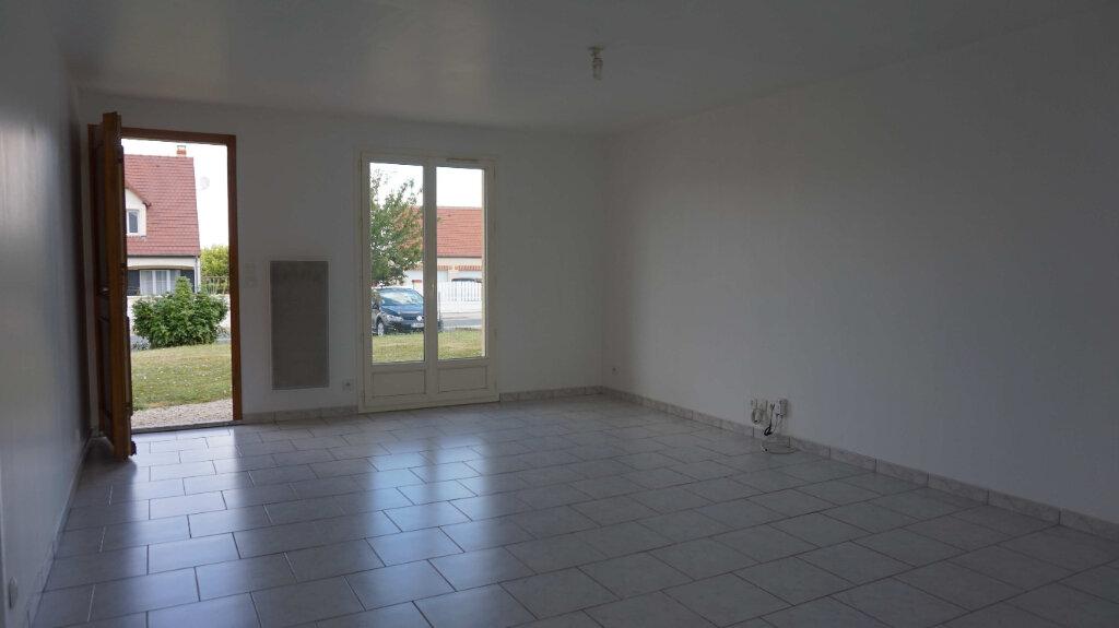Maison à louer 5 84.7m2 à Bellegarde vignette-4