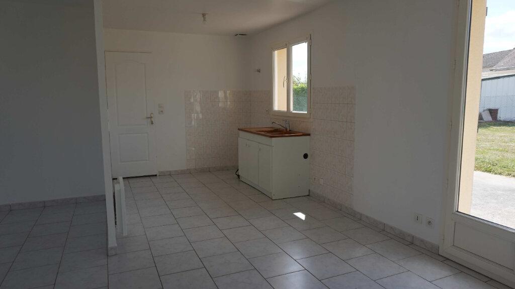 Maison à louer 5 84.7m2 à Bellegarde vignette-5