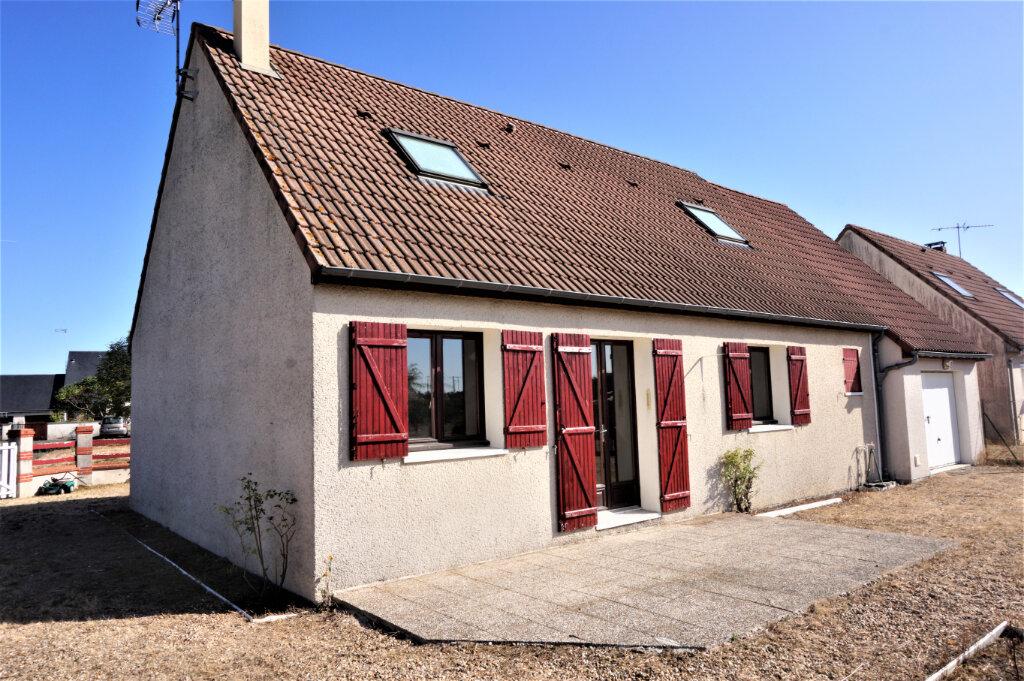 Maison à vendre 6 120m2 à Sully-sur-Loire vignette-1