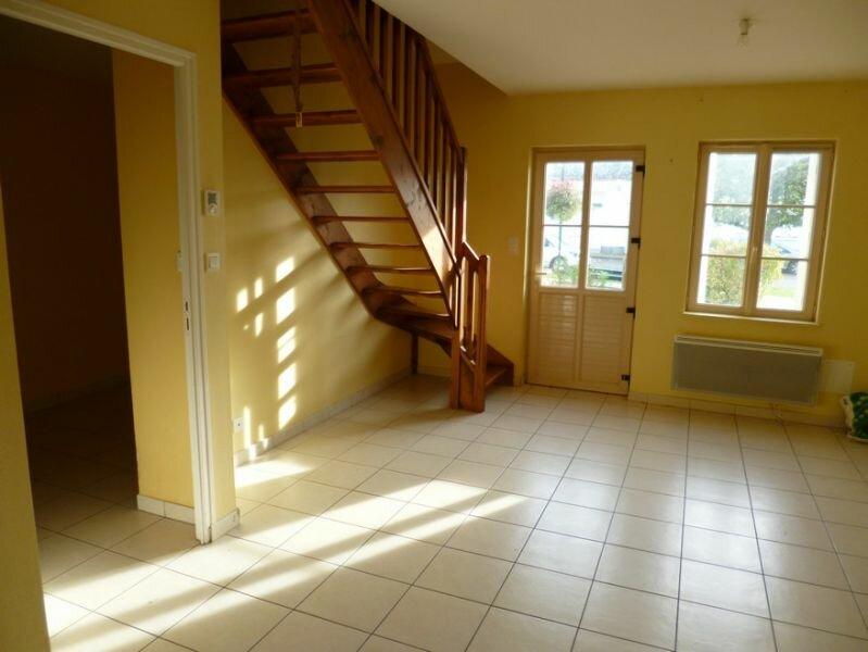 Maison à louer 4 66m2 à Neuvy-en-Sullias vignette-3