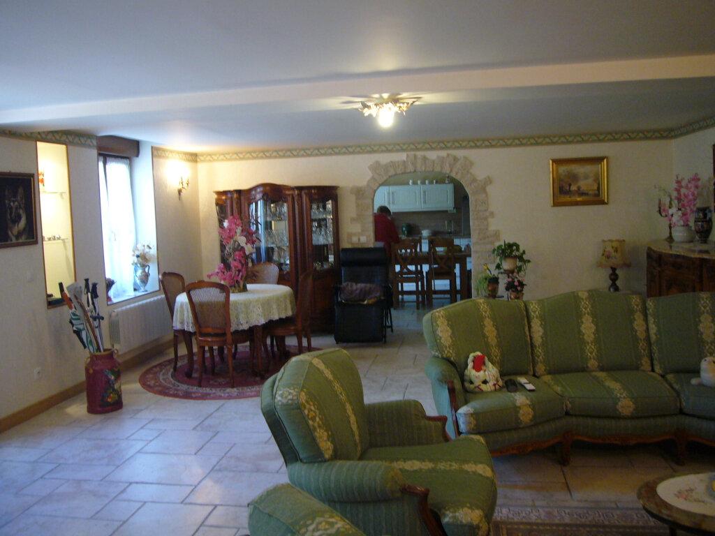 Maison à vendre 9 232m2 à Saint-Aignan-le-Jaillard vignette-1