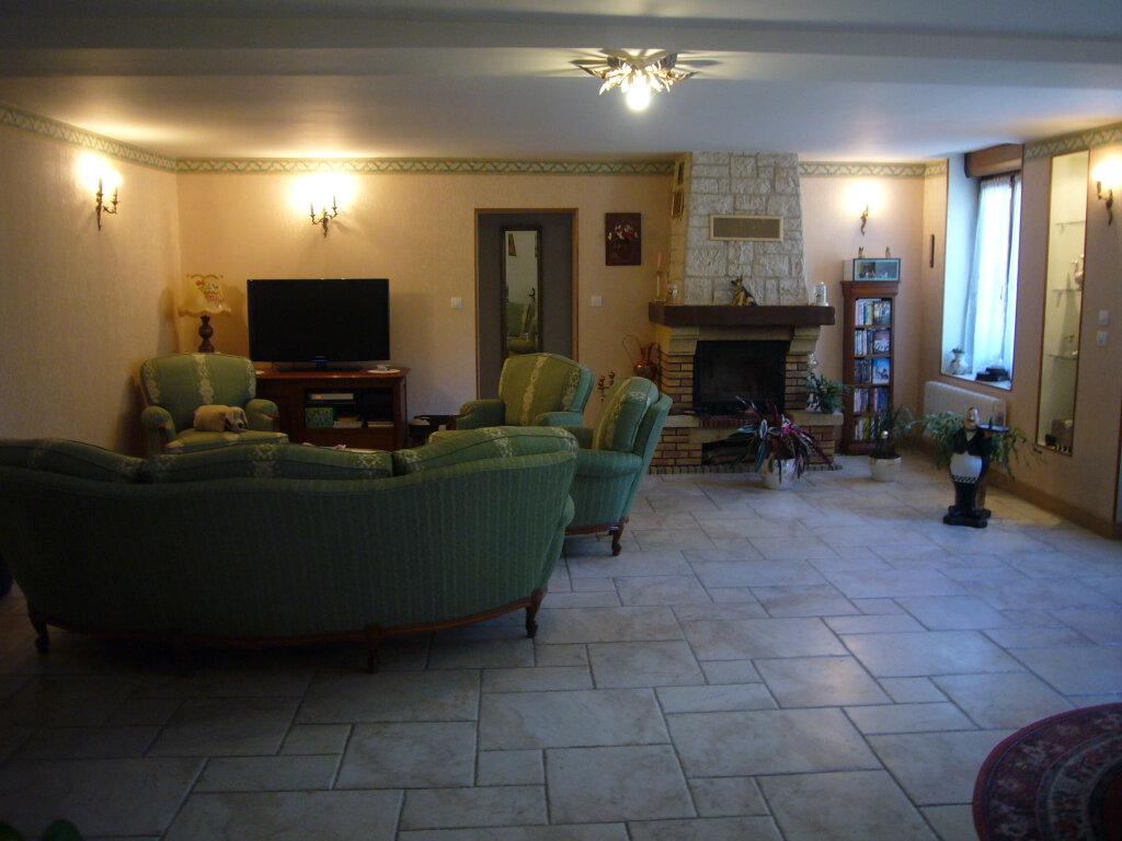 Maison à vendre 9 232m2 à Saint-Aignan-le-Jaillard vignette-2