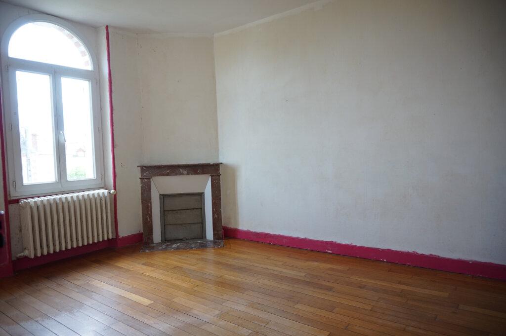 Maison à vendre 4 111m2 à Bellegarde vignette-5
