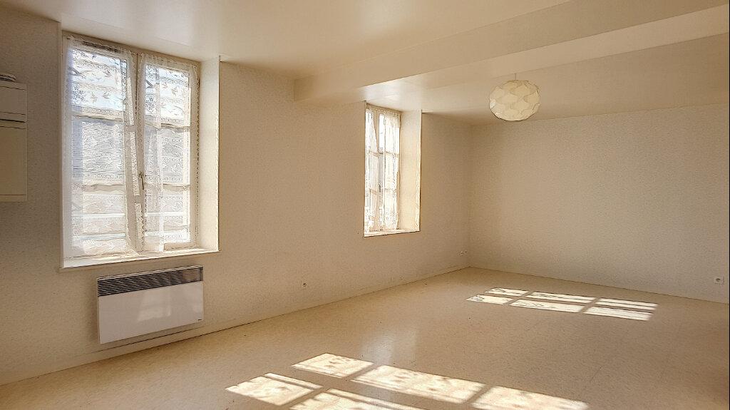 Appartement à louer 2 44.65m2 à Bellegarde vignette-1