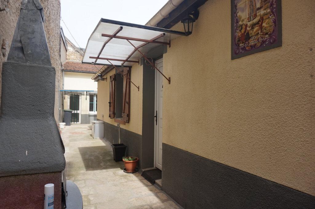 Maison à vendre 4 60m2 à Châtillon-Coligny vignette-1