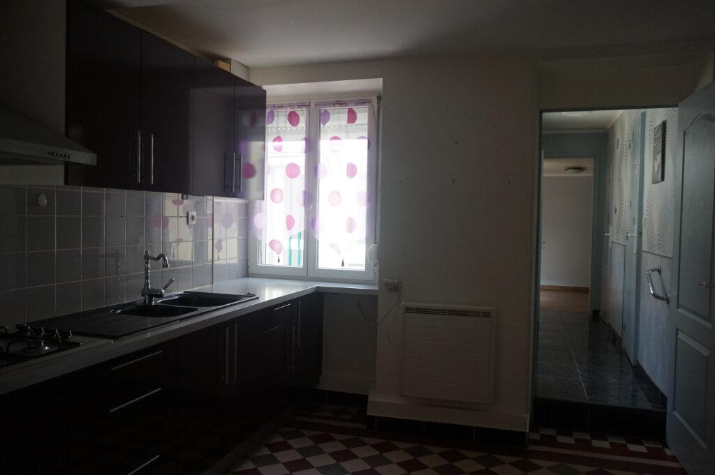 Maison à vendre 4 60m2 à Châtillon-Coligny vignette-3