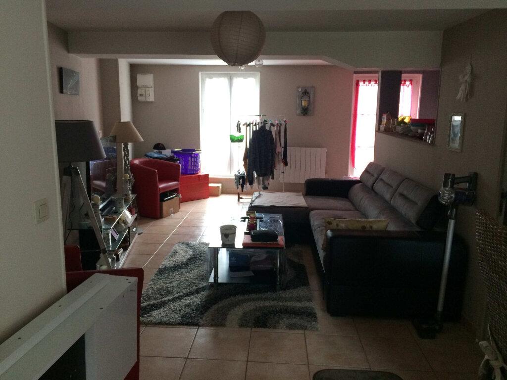 Appartement à vendre 3 47.79m2 à Lorris vignette-1