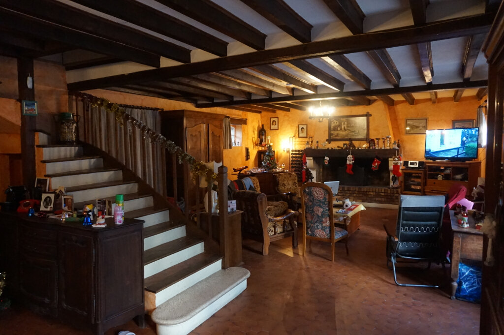 Maison à vendre 4 147m2 à Ivoy-le-Pré vignette-3