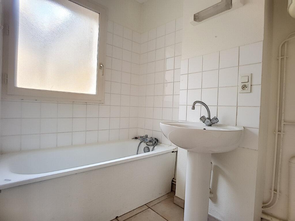 Appartement à louer 1 27.15m2 à Bellegarde vignette-3