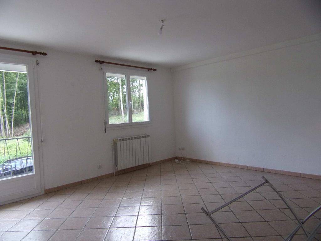 Maison à louer 3 69.04m2 à Dammarie-sur-Loing vignette-2