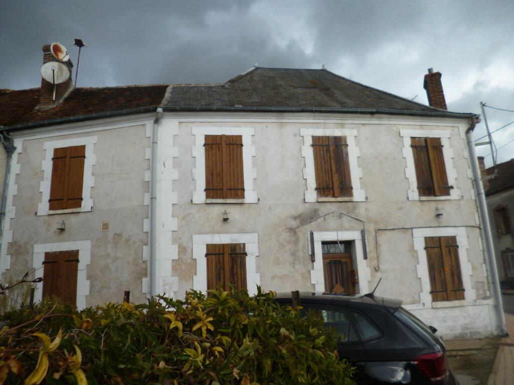 Maison à vendre 5 117m2 à Saint-Maurice-sur-Aveyron vignette-3