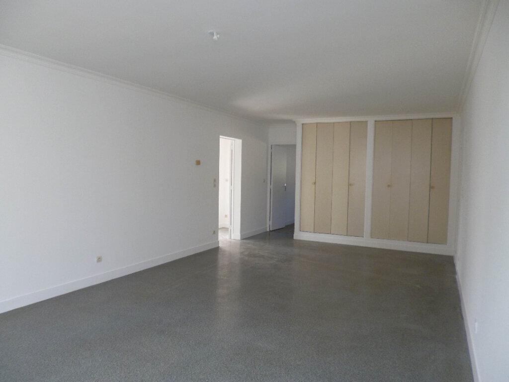 Appartement à louer 4 95.39m2 à Nogent-sur-Vernisson vignette-1