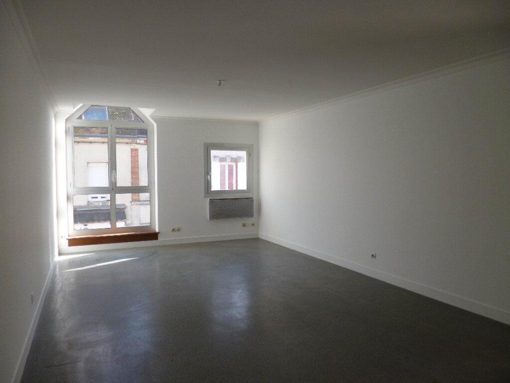 Appartement à louer 4 95.39m2 à Nogent-sur-Vernisson vignette-2