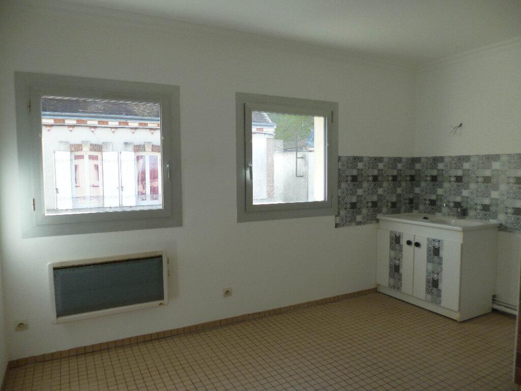 Appartement à louer 4 95.39m2 à Nogent-sur-Vernisson vignette-3