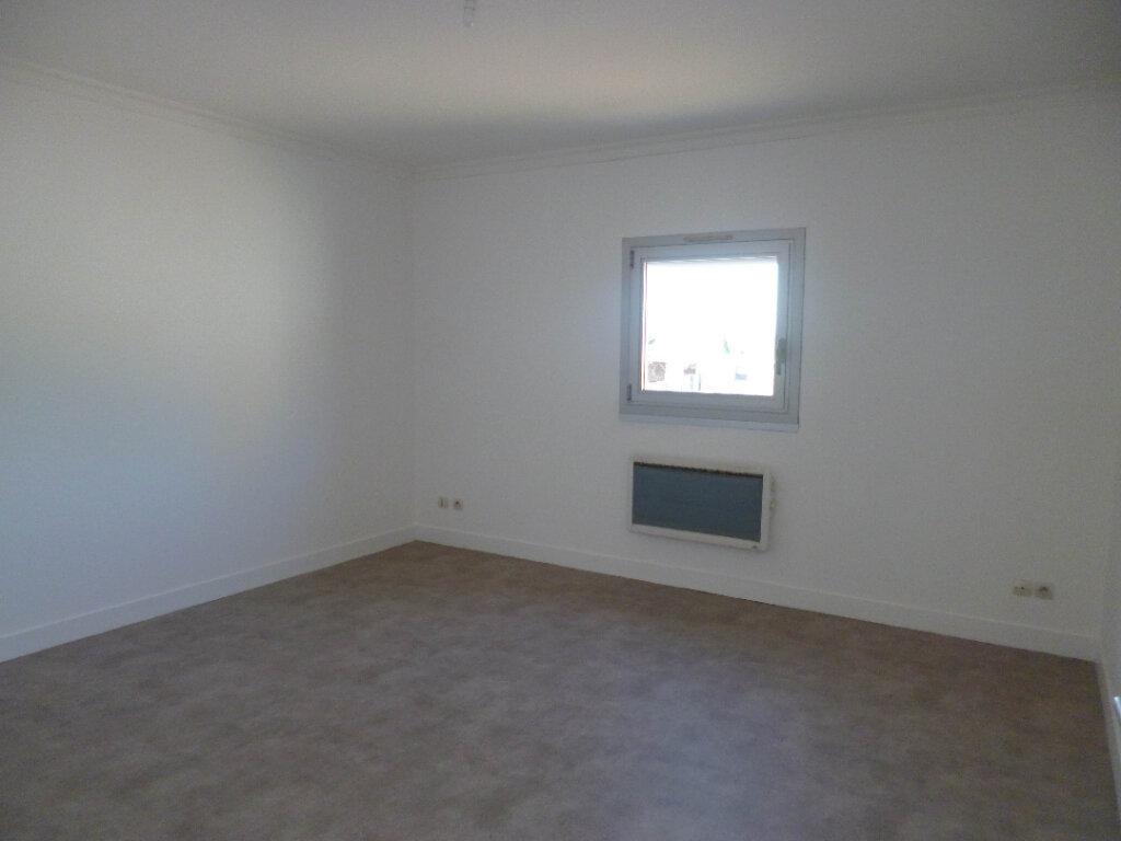 Appartement à louer 4 95.39m2 à Nogent-sur-Vernisson vignette-4