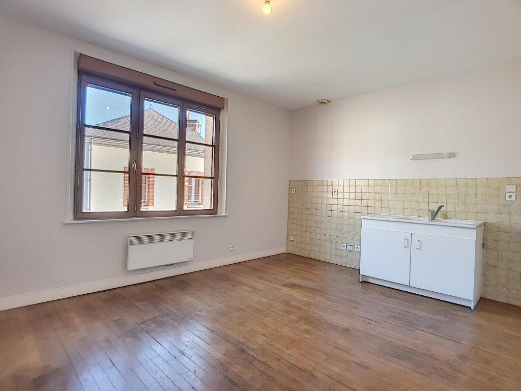 Appartement à louer 3 50.01m2 à Bellegarde vignette-1