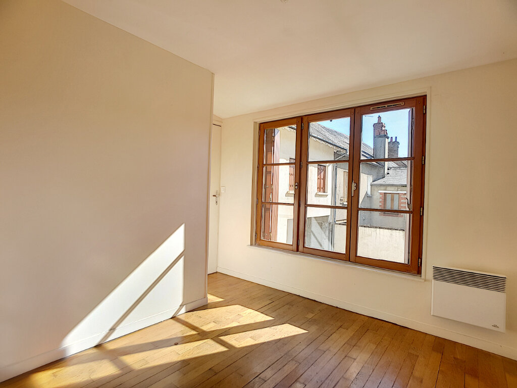 Appartement à louer 3 50.01m2 à Bellegarde vignette-3