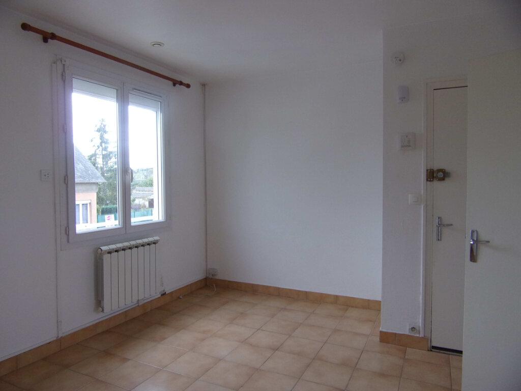 Appartement à louer 2 38.56m2 à Bellegarde vignette-1