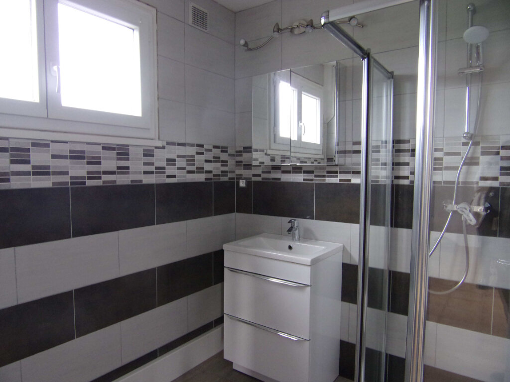 Appartement à louer 2 38.56m2 à Bellegarde vignette-5