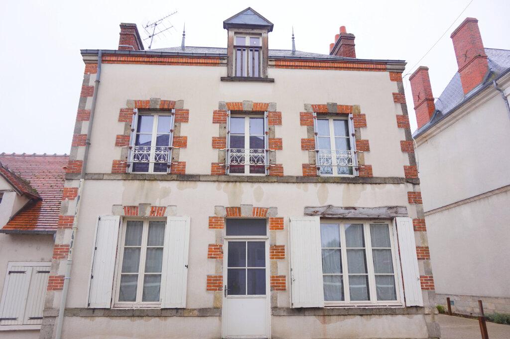 Maison à louer 3 82.7m2 à Saint-Benoît-sur-Loire vignette-1