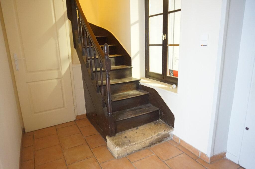 Maison à louer 3 82.7m2 à Saint-Benoît-sur-Loire vignette-3