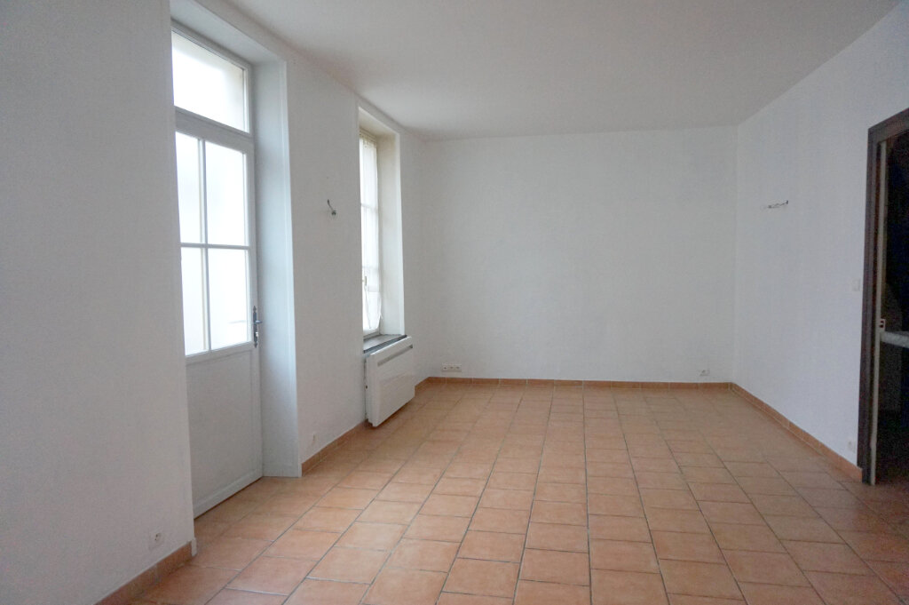 Maison à louer 3 82.7m2 à Saint-Benoît-sur-Loire vignette-8