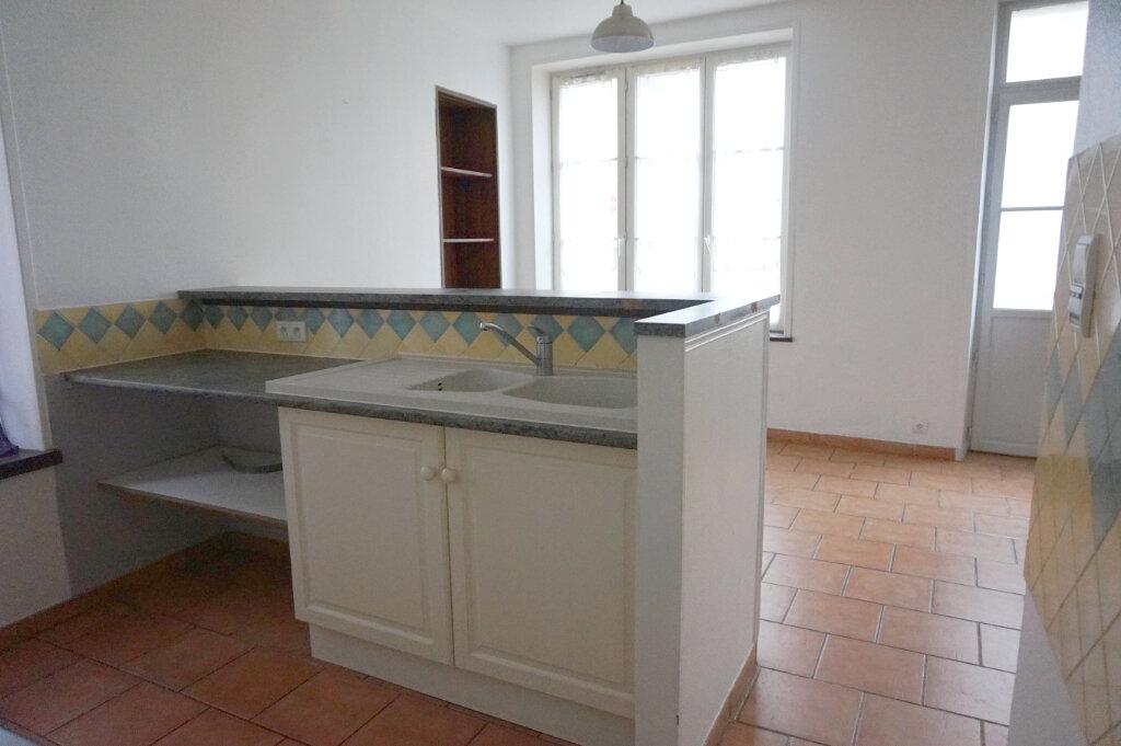 Maison à louer 3 82.7m2 à Saint-Benoît-sur-Loire vignette-9