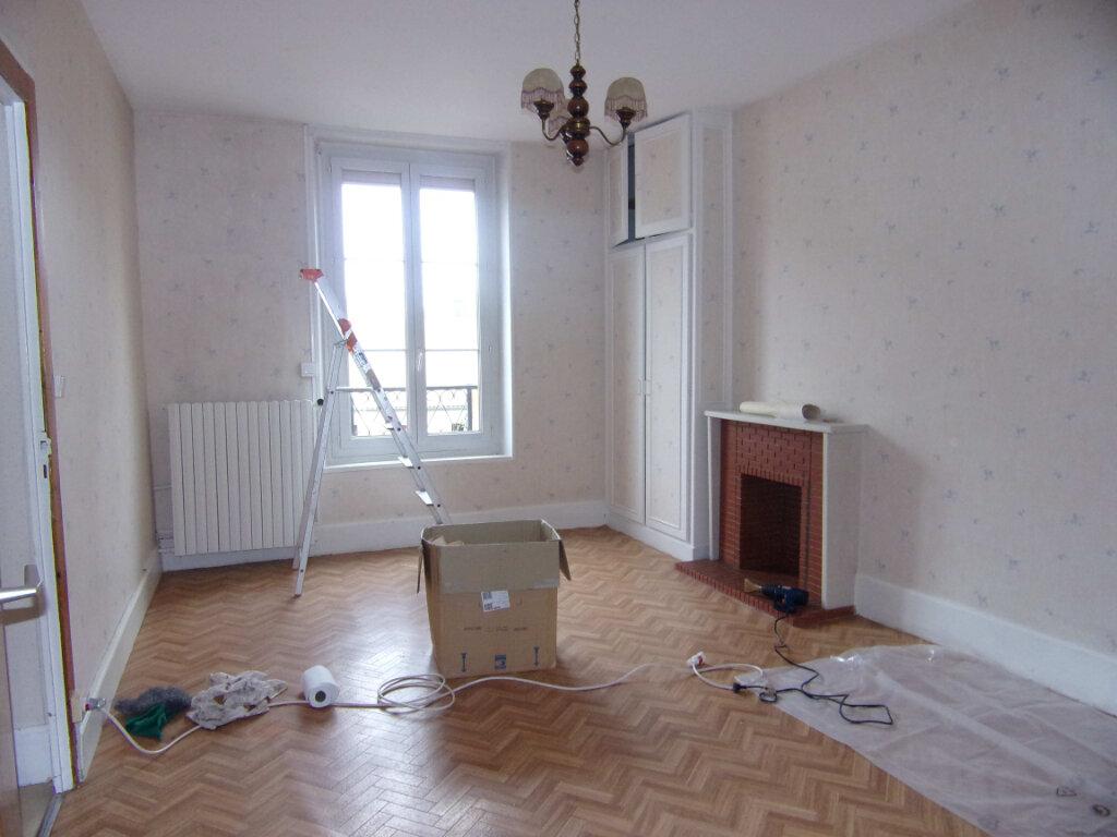 Maison à louer 3 73m2 à Lorris vignette-5
