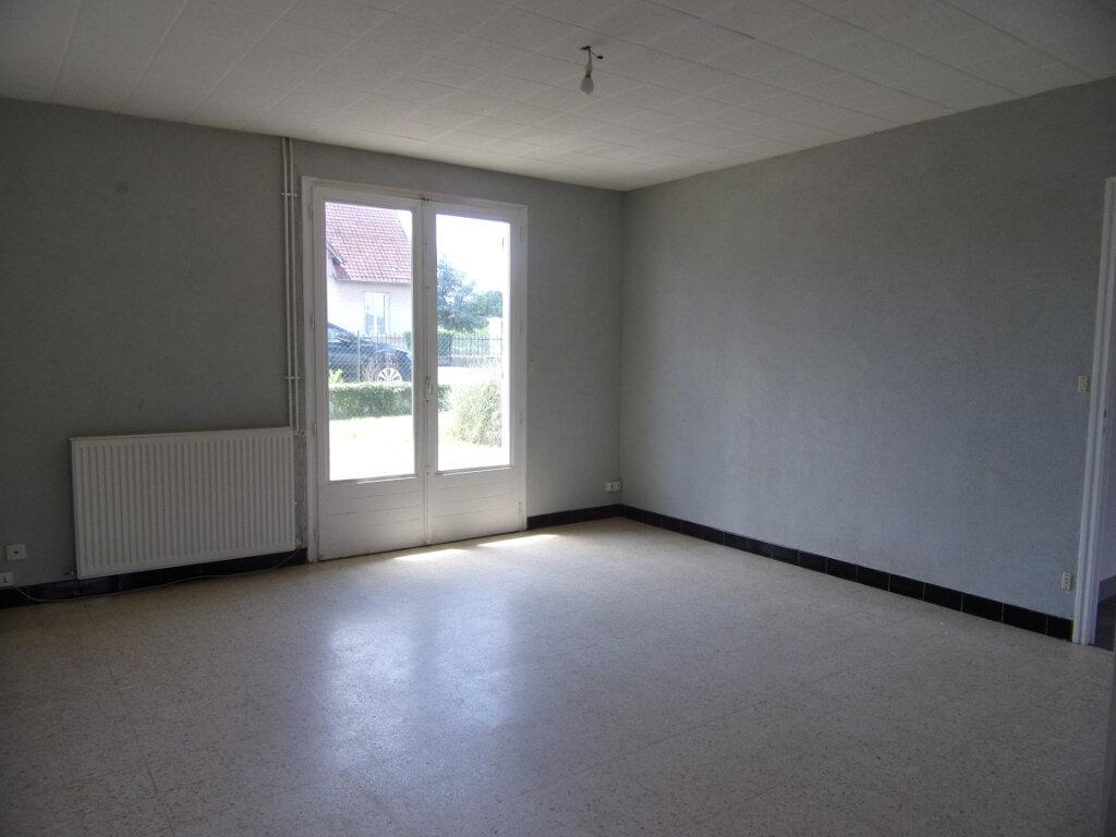 Maison à louer 3 55.71m2 à Châtillon-Coligny vignette-2