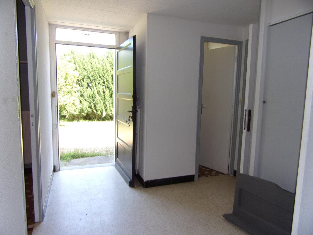 Maison à louer 3 55.71m2 à Châtillon-Coligny vignette-4