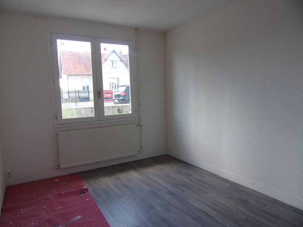 Maison à louer 3 55.71m2 à Châtillon-Coligny vignette-6