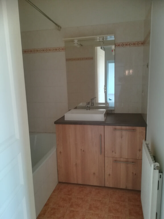 Appartement à louer 3 54.58m2 à Carros vignette-7