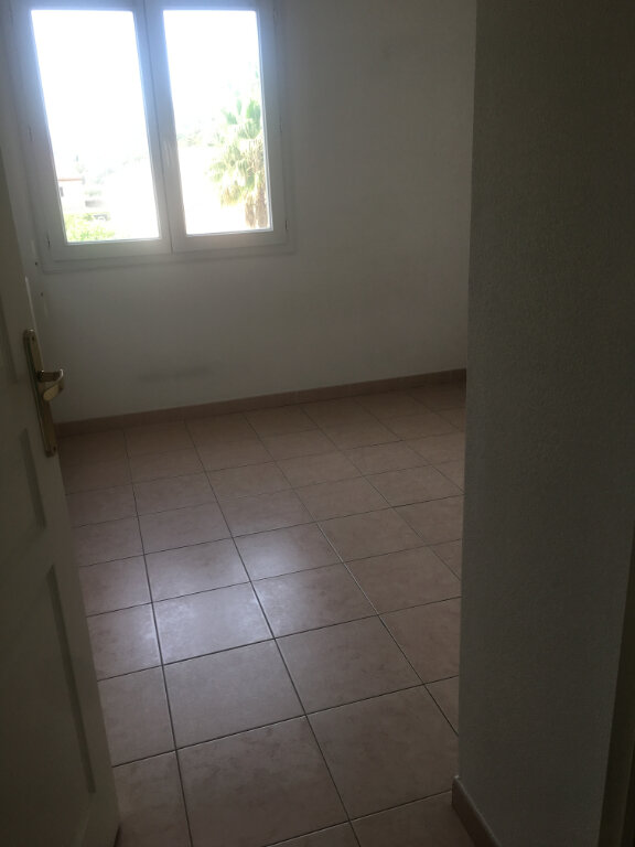 Appartement à louer 3 54.58m2 à Carros vignette-15