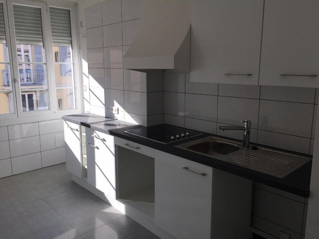 Appartement à louer 2 47.97m2 à Nice vignette-1