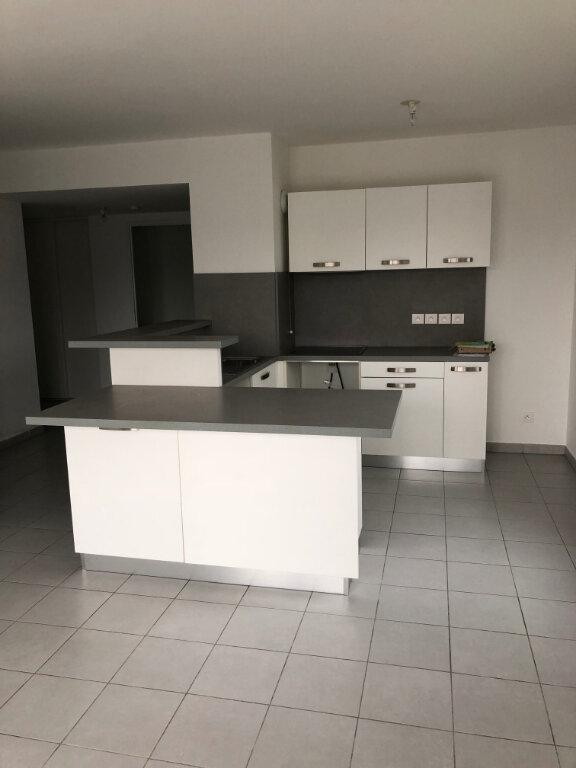 Appartement à louer 3 60.43m2 à Carros vignette-2