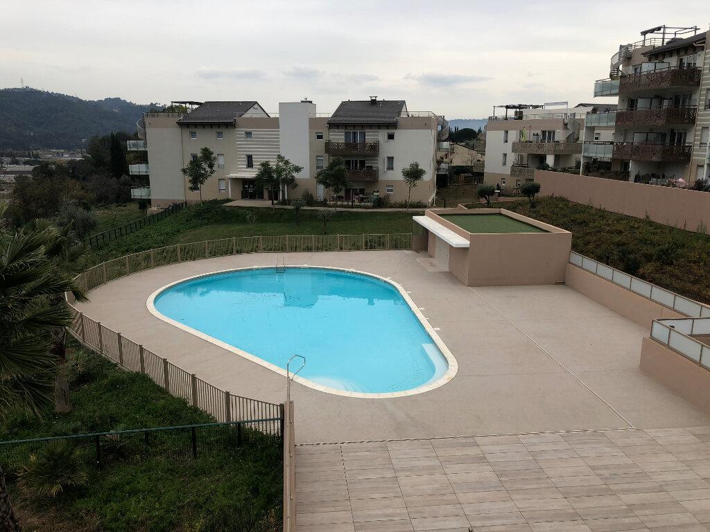 Appartement à louer 3 60.43m2 à Carros vignette-5