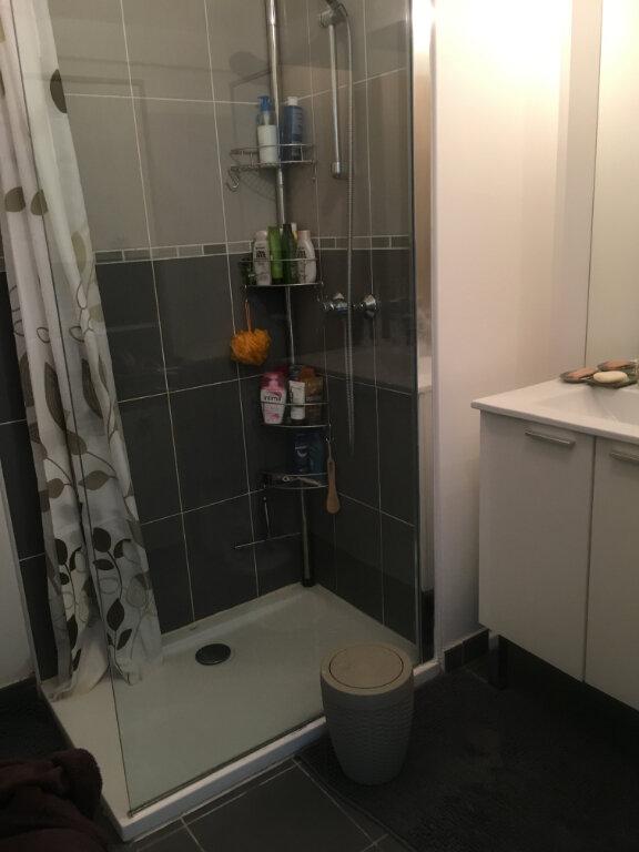 Appartement à louer 3 60.43m2 à Carros vignette-7
