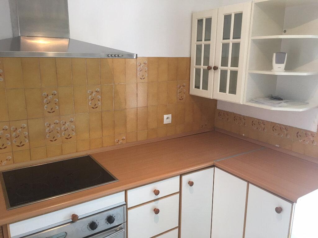Maison à louer 4 84.36m2 à Carros vignette-2