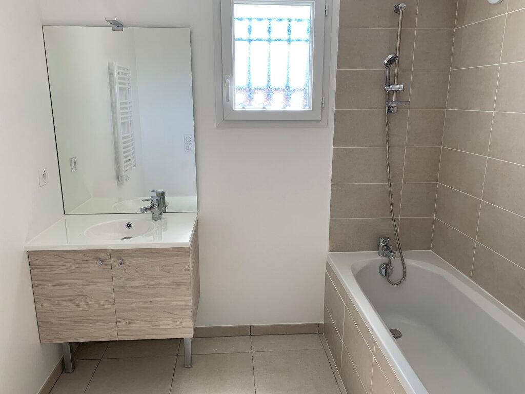 Appartement à louer 3 55.1m2 à Carros vignette-8