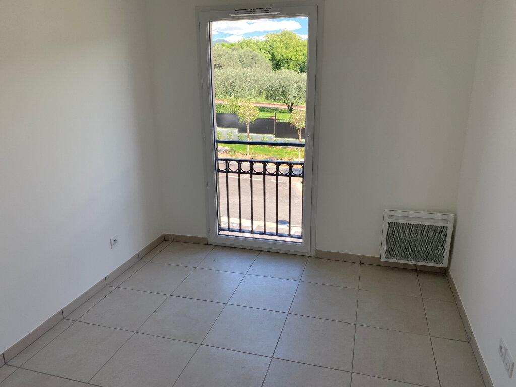 Appartement à louer 3 55.1m2 à Carros vignette-9