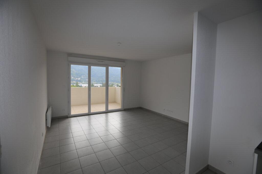 Appartement à louer 2 44.29m2 à Carros vignette-3