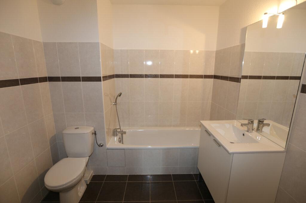 Appartement à louer 2 44.29m2 à Carros vignette-5