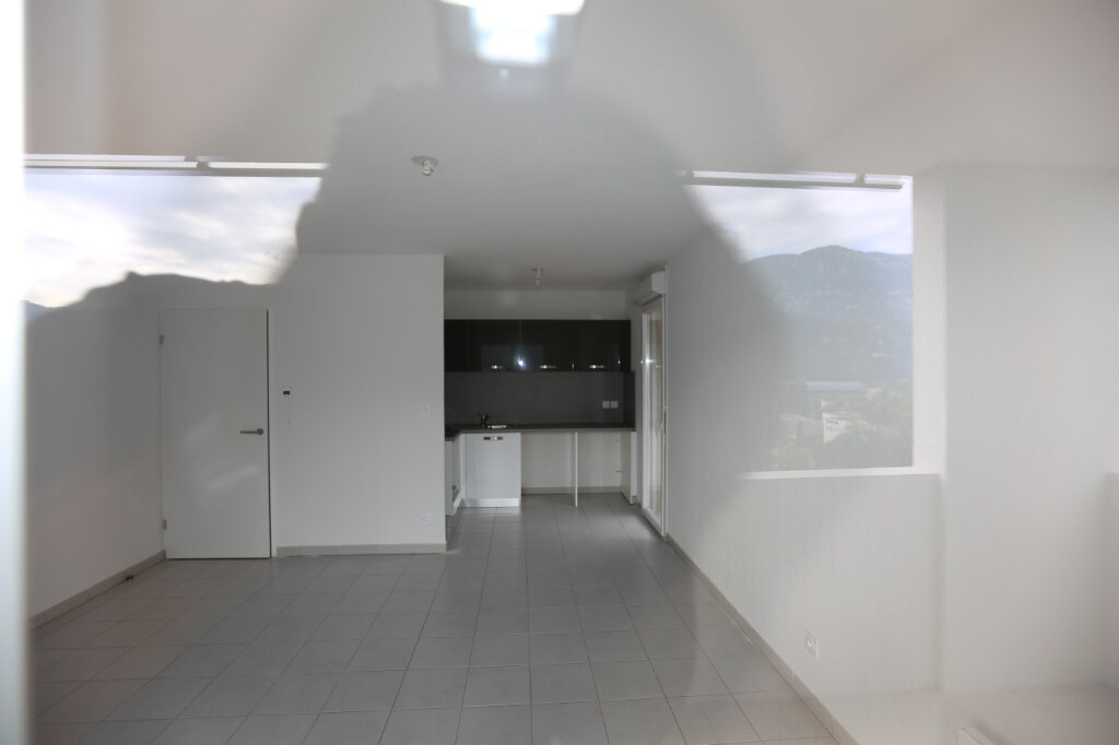 Appartement à louer 2 44.29m2 à Carros vignette-9