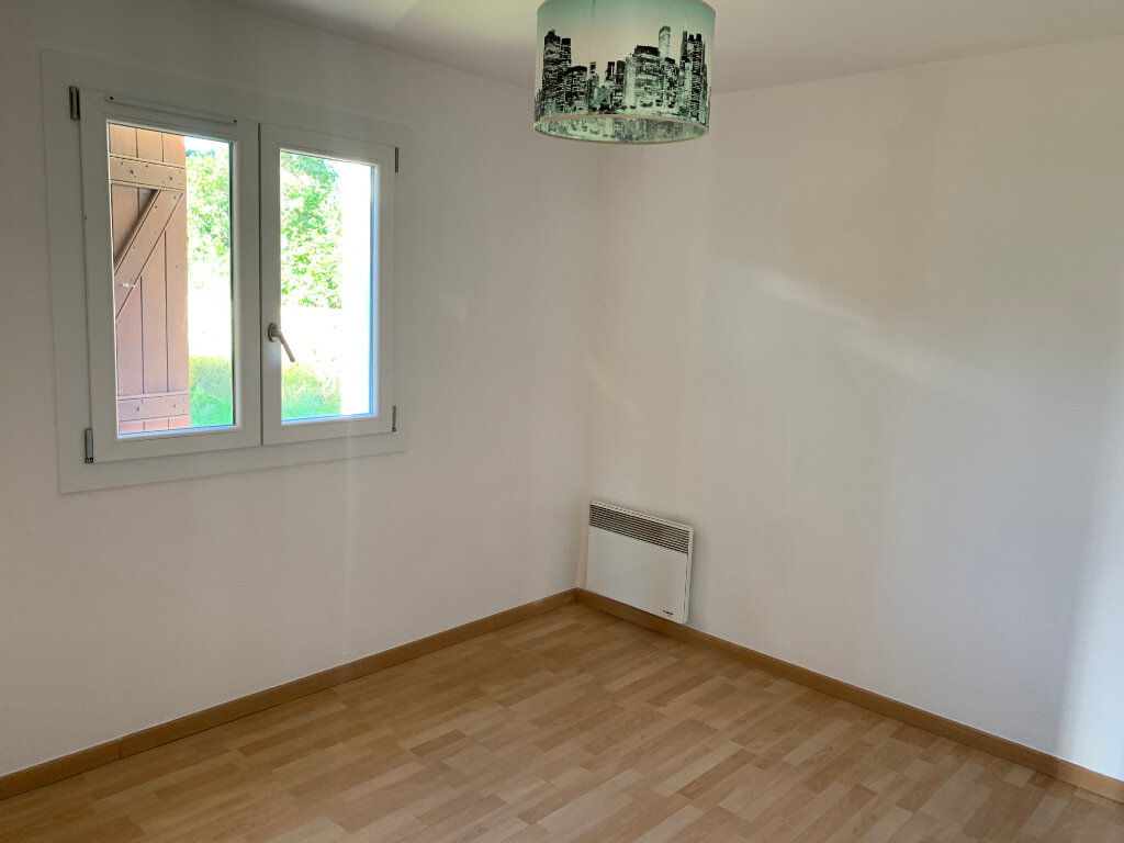 Maison à louer 3 70.66m2 à Gattières vignette-4