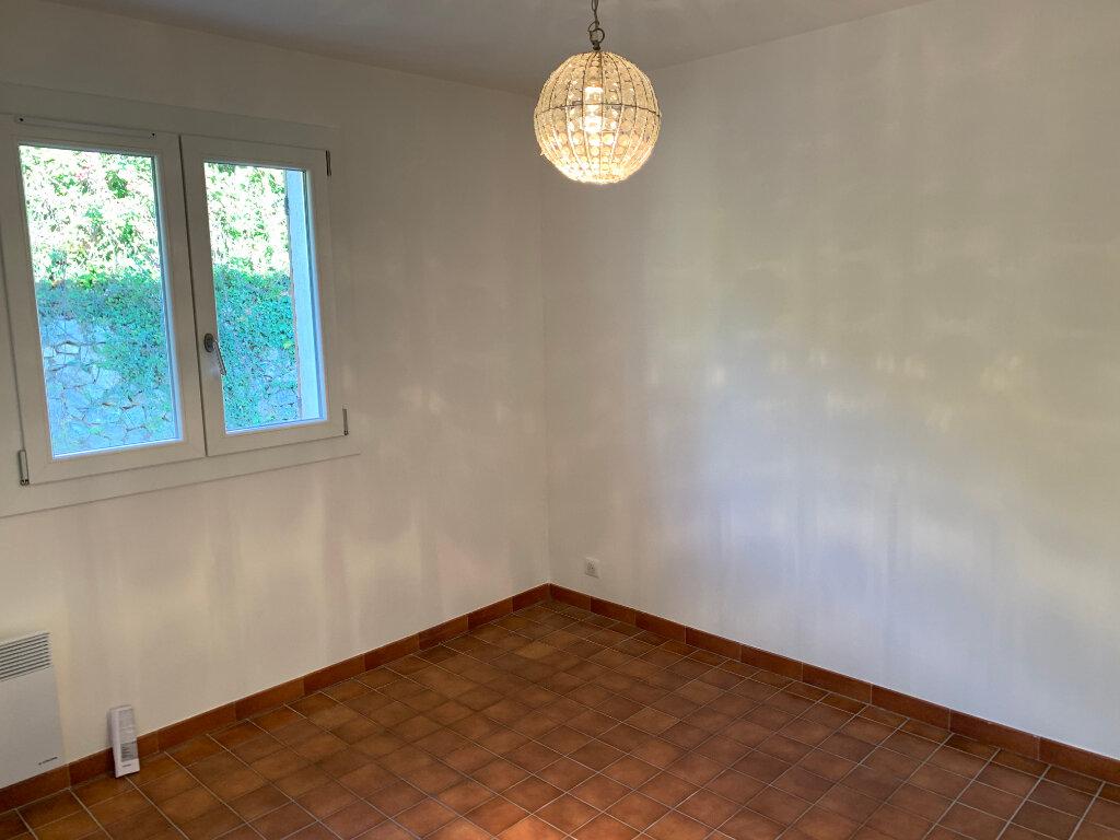 Maison à louer 3 70.66m2 à Gattières vignette-5