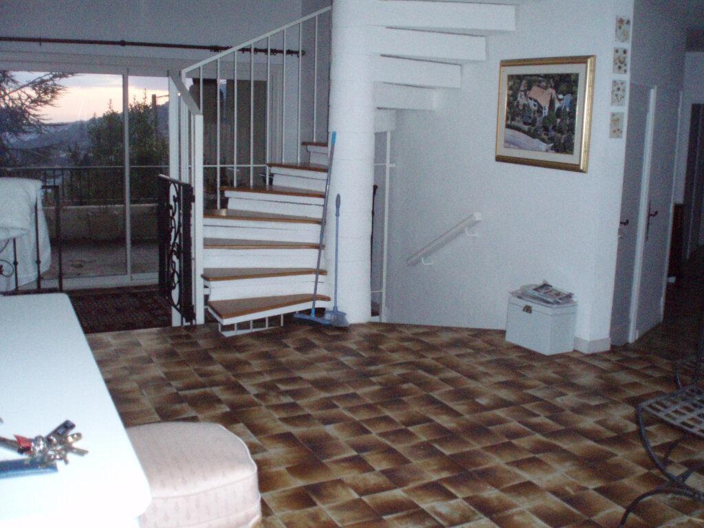 Maison à vendre 8 300m2 à Carros vignette-4