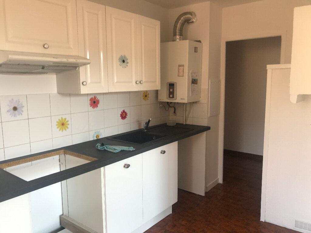 Appartement à louer 5 96m2 à Carros vignette-2