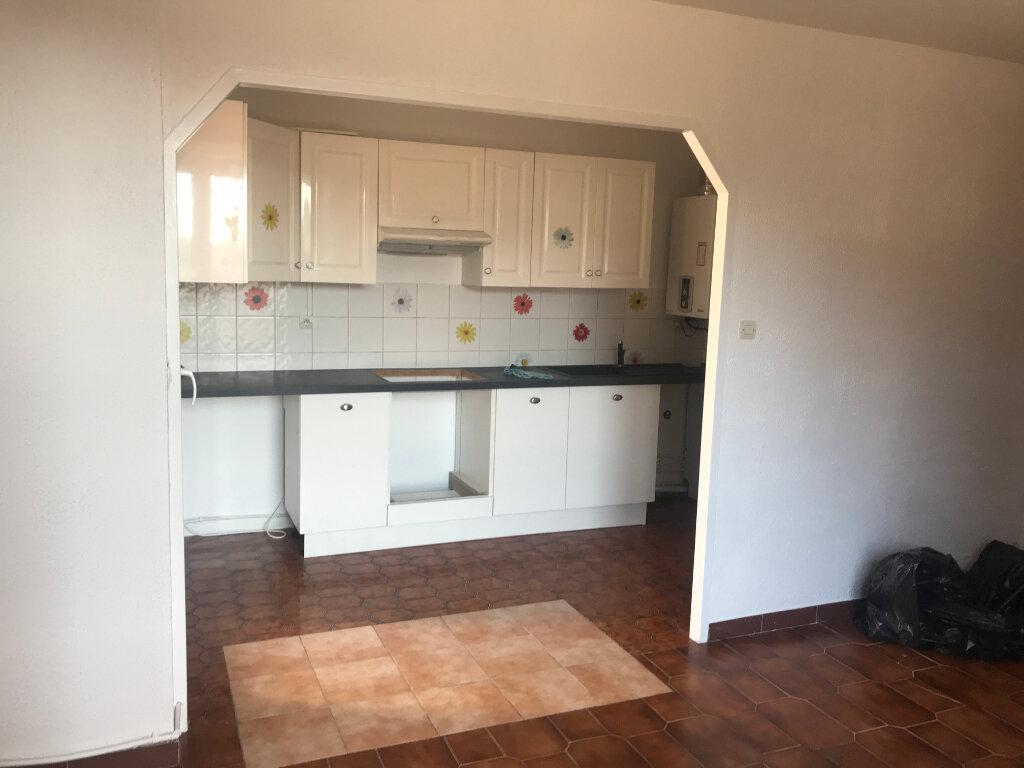 Appartement à louer 5 96m2 à Carros vignette-9