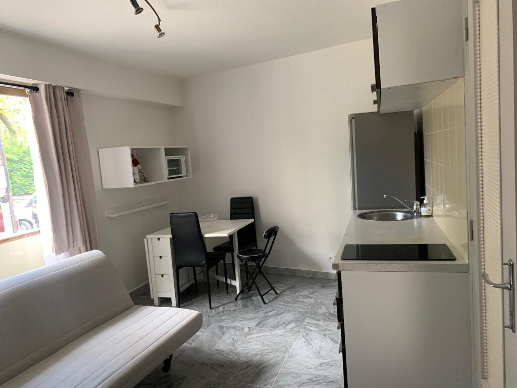 Appartement à louer 1 30m2 à Nice vignette-9